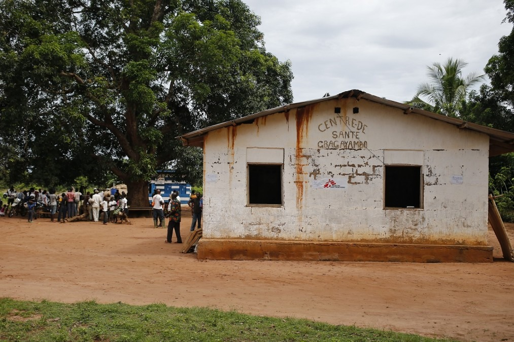 MSF supports 17 health centers in Bili; shown here is the center in Gbagayaembo, DRC. © Vincenzo Livieri/MSF