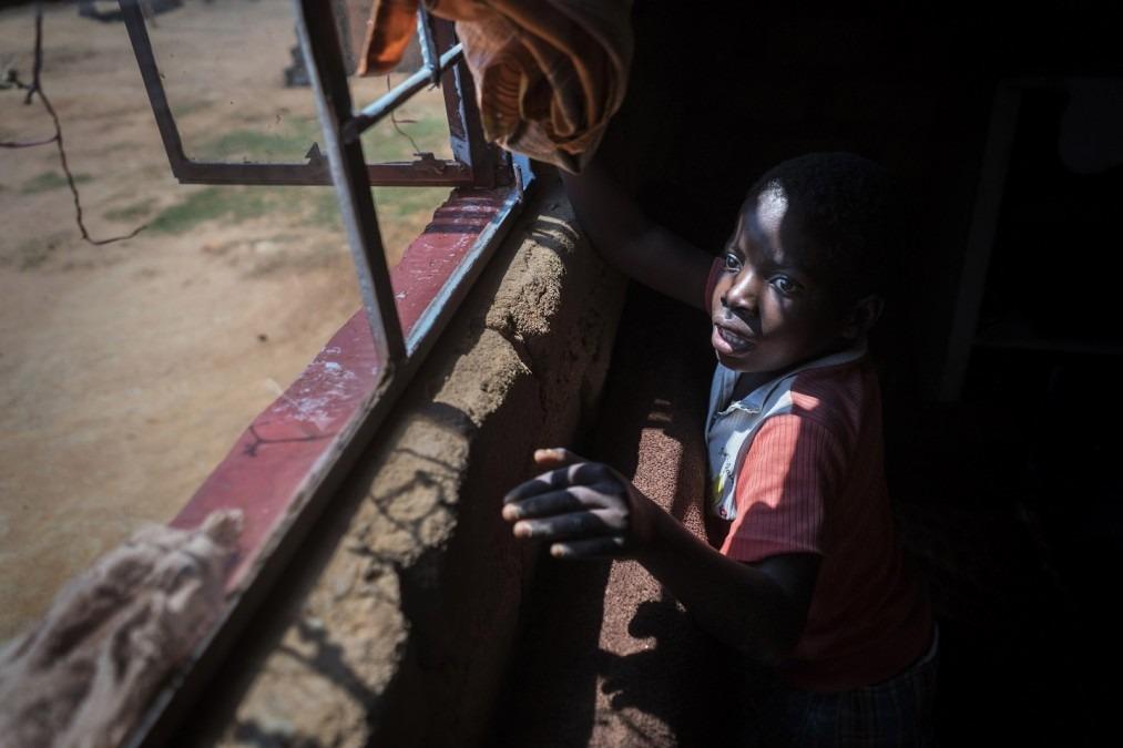 Tanya est séropositive au VIH. Zimbabwe, octobre 2016. © Rachel Corner/De Beeldunie