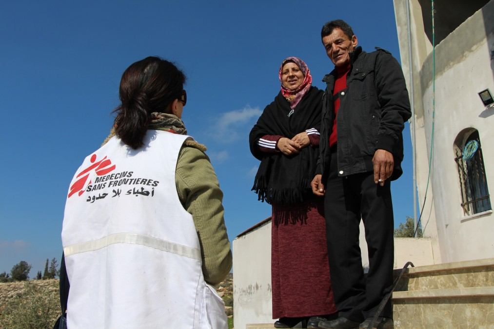 Shurooq, MSF social worker, is meeting with a family in Salem village. The family often face soldiers attacks and two of their children have been arrested and are in prison. West Bank, January 2018. © Laurie Bonnaud/MSF