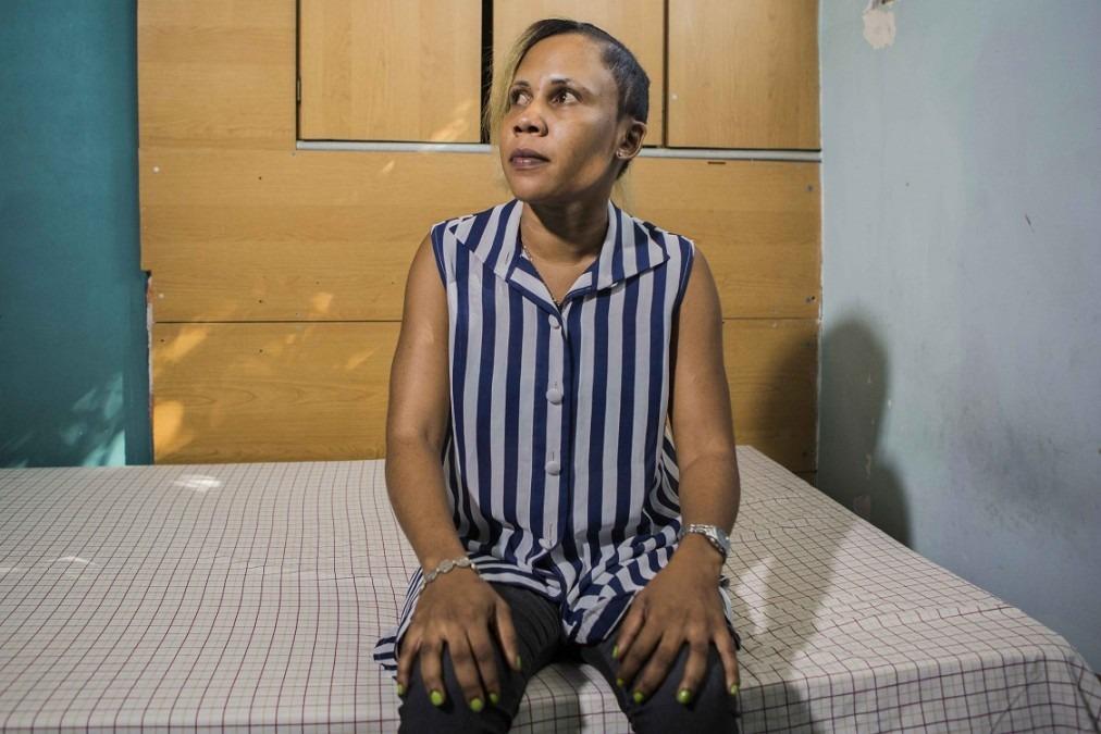 Sophonie Badette, 32 ans, lors d'une séance de suivi en physiothérapie à l'hôpital Nap Kenbé de Tabarre. © Jeanty Junior Augustin, Haïti, décembre 2017
