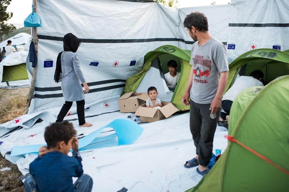 Des milliers de personnes ont été piégées pendant une période indéfinie sur les îles grecques dans le cadre de l'accord UE/Turquie. Mai 2018. © Robin Hammond/Witness Change