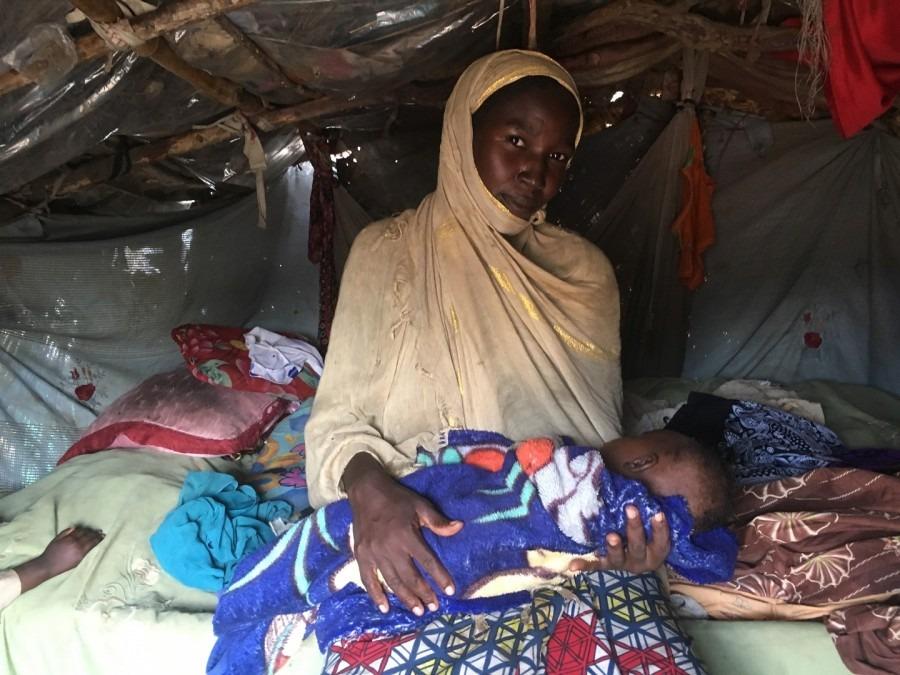 Zenaba, une jeune femme d'une vingtaine d'années, a vécu ici pendant deux ans après avoir quitté Mongo, une petite ville de la région de Guera, dans le centre du Tchad, août 2018. © Anaïs Deprade/MSF