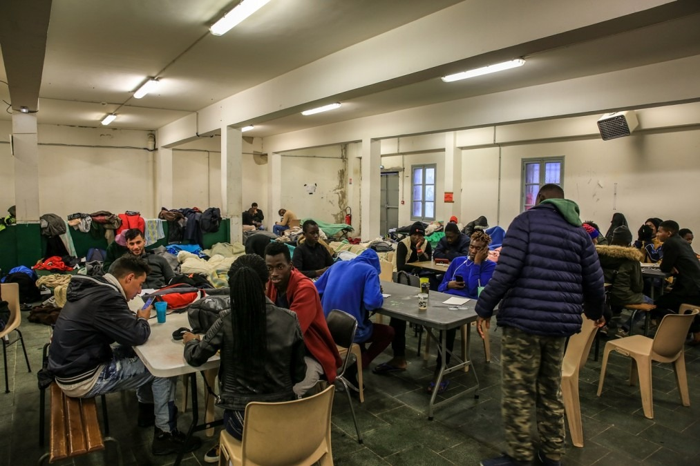 Chaque jour, 200 migrants et demandeurs d'asiles, dont des mineurs non accompagnés, sont accueillis dans le centre de transit de la ville de Bayonne. 2018. ©Mohammad Ghannam/MSF