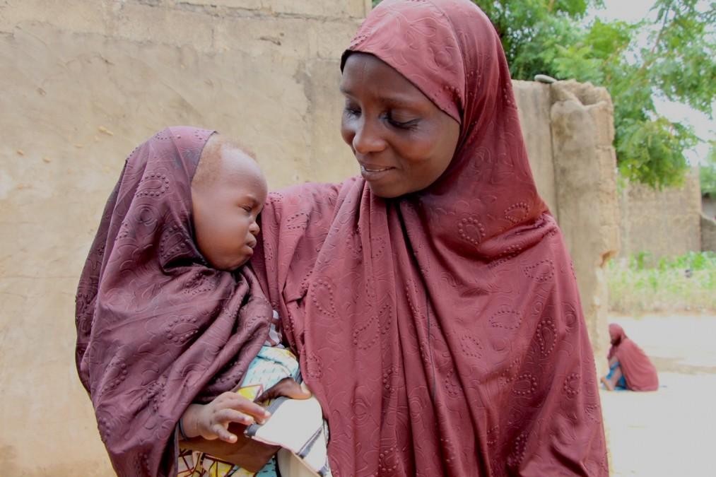 rencontre mère célibataire au Nigeria Maya datant Lucas