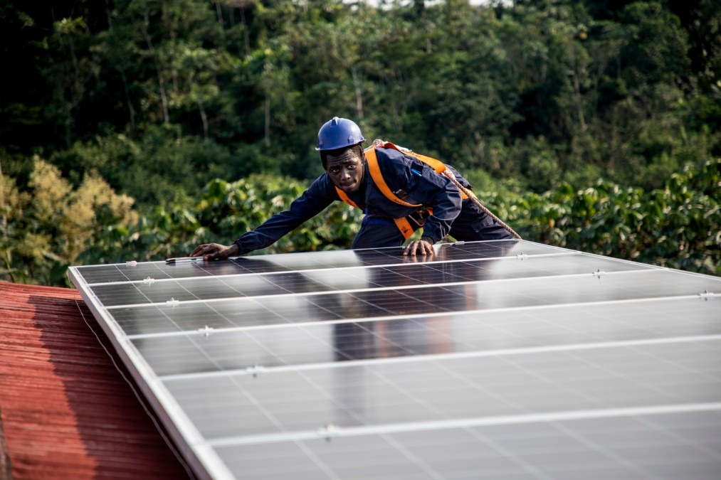 RDC, hôpital MSF, panneaux solaires