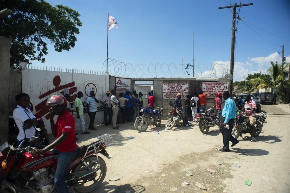 Depuis 2012, MSF assure une prise en charge globale des soins traumatologiques dans son Centre d'urgence chirurgicale et traumatologique de Tabarre, en Haïti. © Christophe Hebting/MSF
